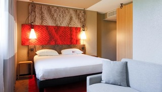 HOTEL RESTAURANT IBIS LA CITE CARCASSONNE EST - Carcassonne